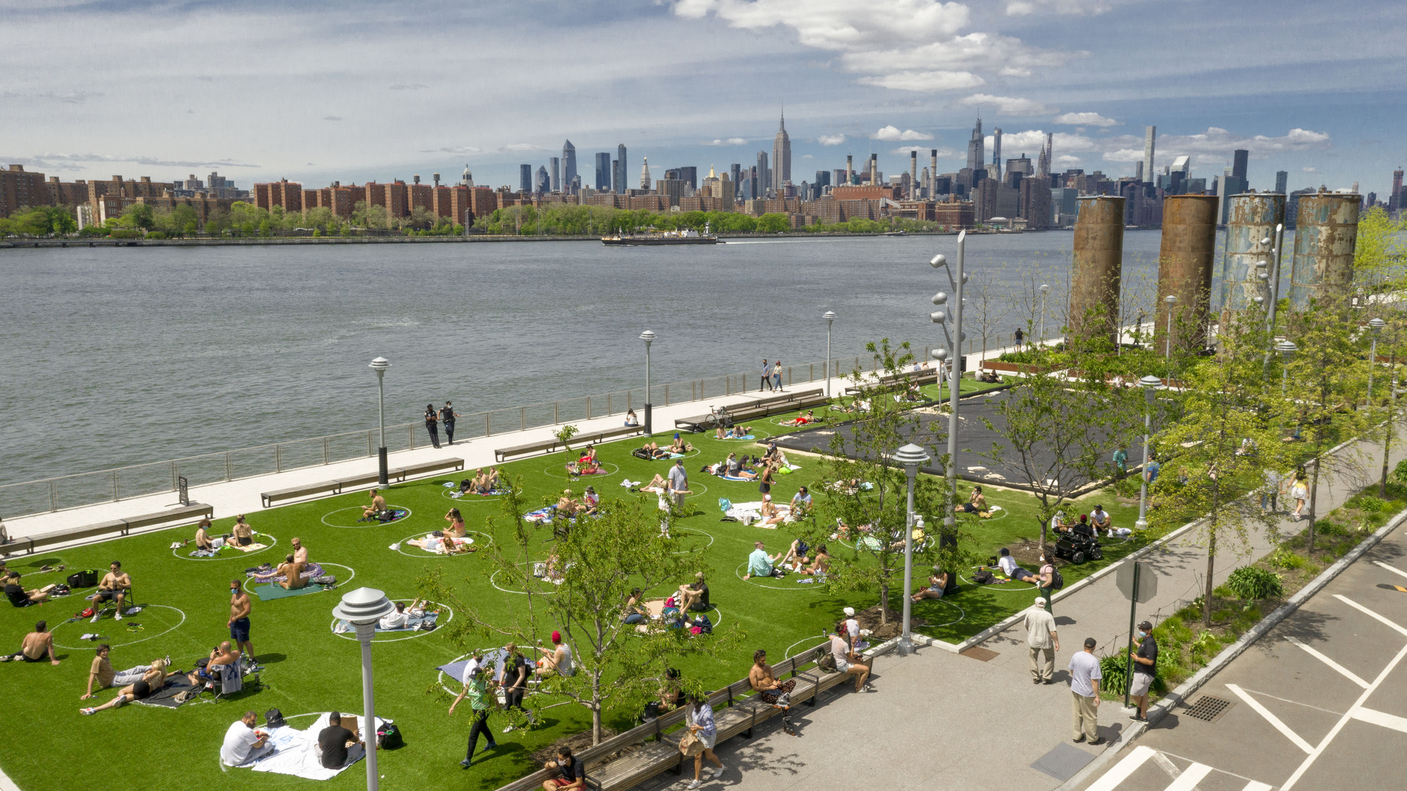 8-Foot Circles Provide Social Distancing Blueprint in Parks